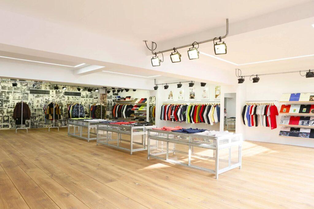 cửa hàng supreme